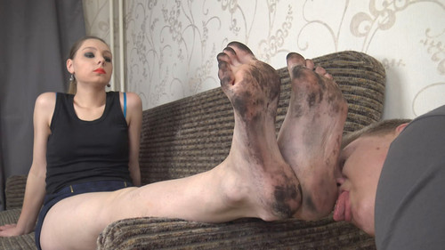 Angela - clean my huge size 13! Full HD