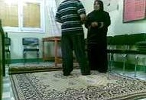 حصرى دكتور معرص زانق ممرضة محجبة فى العيادة ومبهدلها نياكة