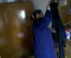 زانق حماته الارملة فى شقته يخلعها الجلابية والاشرب ويقطعها نياكة من العيار التقيل