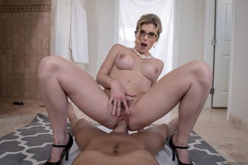 Milfs Like It Big - Cory Chase (Stuck-Up Stepmom)